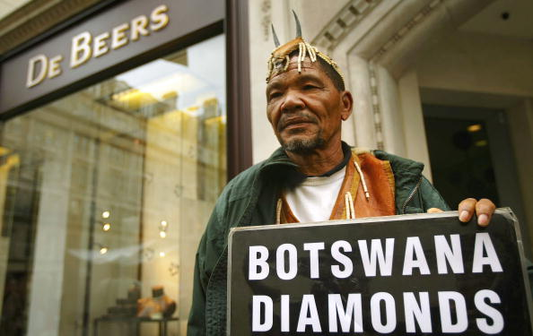 Botswana「Bushmen Protest Outside De Beers」:写真・画像(15)[壁紙.com]