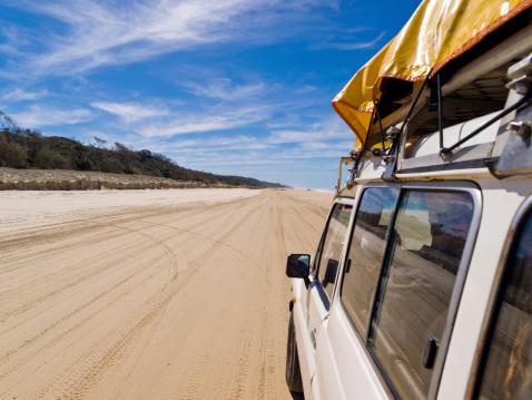 Queensland「Four Wheel Driving on Fraser」:スマホ壁紙(2)