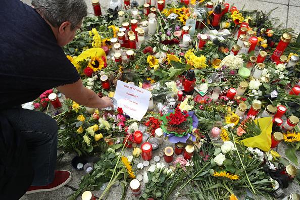 Lighting Equipment「Murder Fuels Anti-Foreigner Tensions In Chemnitz」:写真・画像(7)[壁紙.com]