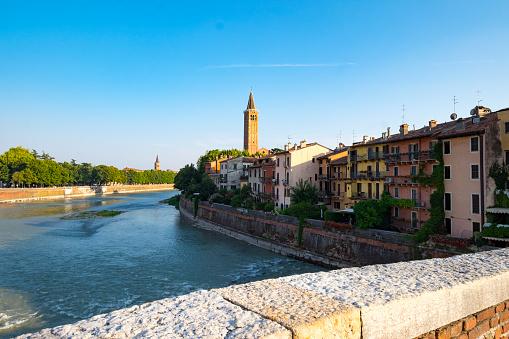 アディジェ川「Famous bridge in Verona」:スマホ壁紙(7)