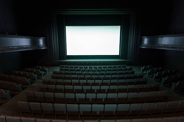 Model theater:スマホ壁紙(壁紙.com)