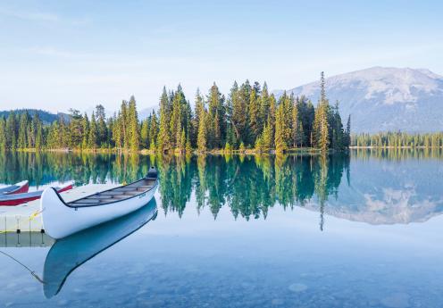 Canoe「Canoes at Mountain Lake-Tranquil Scene」:スマホ壁紙(9)