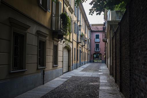 Piedmont - Italy「Empty urban alley」:スマホ壁紙(17)
