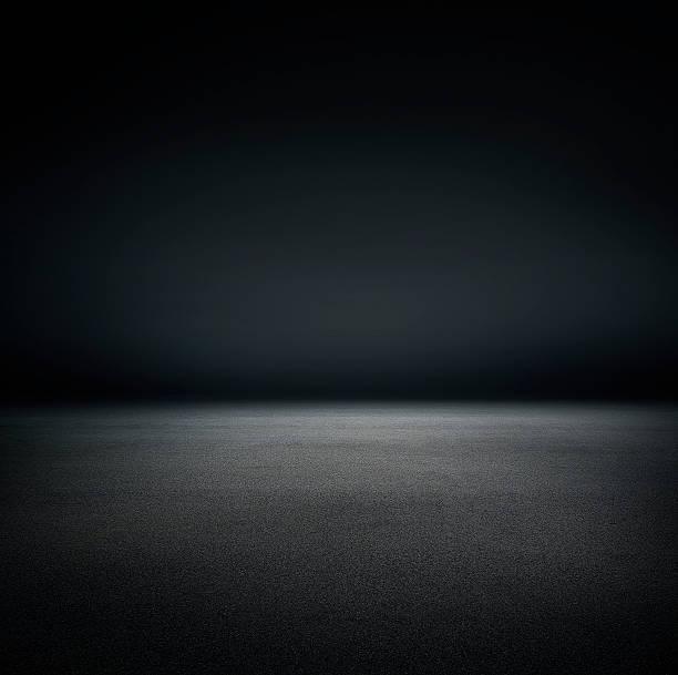 Studio black background:スマホ壁紙(壁紙.com)
