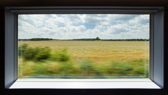 Passenger Train「View out of a high speed train」:スマホ壁紙(4)