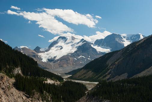 アサバスカ山「Mount Athabasca with Sunwapta River」:スマホ壁紙(14)