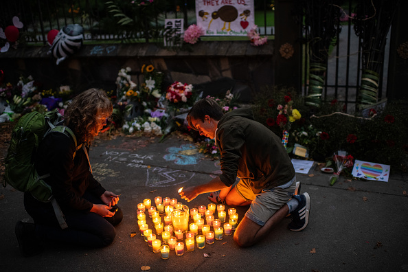 Candle「New Zealand Grieves As Victims Of Christchurch Mosque Terror Attacks Are Identified」:写真・画像(5)[壁紙.com]