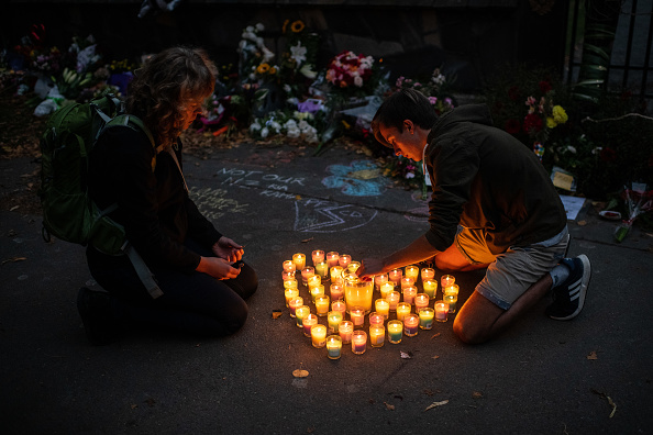 Lighting Equipment「New Zealand Grieves As Victims Of Christchurch Mosque Terror Attacks Are Identified」:写真・画像(19)[壁紙.com]