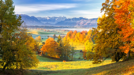 Rolling Landscape「Autumn in Bavarian with Zugspitze in Background - XXL Panorama」:スマホ壁紙(3)