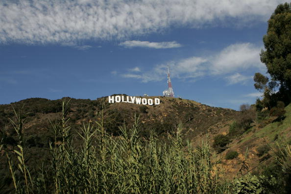 Hollywood Sign「Hollywood Sign Repainting Project Completed With LA Mayor Antonio Villaraigosa」:写真・画像(19)[壁紙.com]