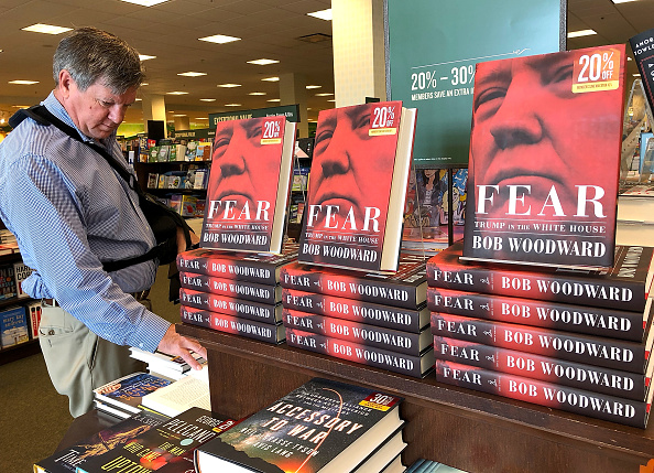 "Fear「Bob Woodward's Book ""Fear"" On Trump Administration Hits Store Shelves」:写真・画像(9)[壁紙.com]"