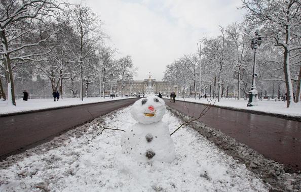 雪だるま「Heavy Snow Falls Across United Kingdom」:写真・画像(13)[壁紙.com]