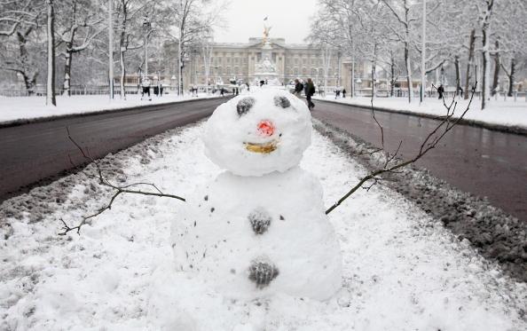 雪だるま「Heavy Snow Falls Across United Kingdom」:写真・画像(16)[壁紙.com]