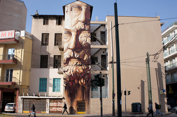 Graffiti「Graffiti Covers The Streets Of Athens As It Becomes A Mecca For Street Artists」:写真・画像(7)[壁紙.com]