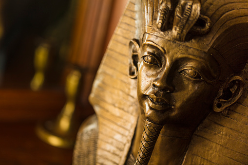 King - Royal Person「Bronze color bust of Egyptian King Tutankhamun made with plaster.」:スマホ壁紙(10)