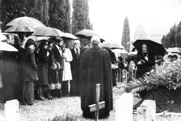 Place of Burial「Chaplin's Funeral」:写真・画像(12)[壁紙.com]