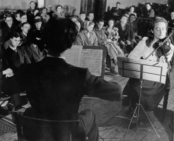 Violin「Lunchtime Concert」:写真・画像(1)[壁紙.com]