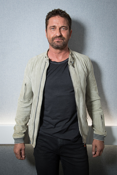 縦位置「Gerard Butler Visits Magic Radio and Absolute Radio」:写真・画像(15)[壁紙.com]