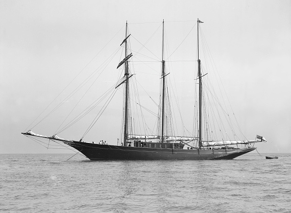 Cutting「The Auxiliary Schooner La Cigale At Anchor」:写真・画像(10)[壁紙.com]
