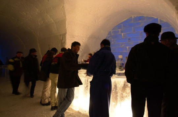 Ice Sculpture「Ice Hotel Quebec-Canada」:写真・画像(15)[壁紙.com]
