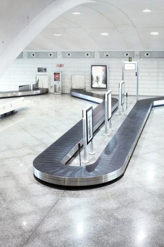 Carousel「Baggage reclaim at airport」:スマホ壁紙(10)