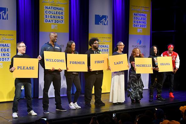 エメカ オカフォー「MTV's 2017 College Signing Day With Michelle Obama - Inside」:写真・画像(9)[壁紙.com]