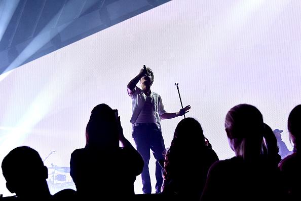 ミッドタウンマンハッタン「Charlie Puth And Hailee Steinfeld In Concert - New York City」:写真・画像(1)[壁紙.com]