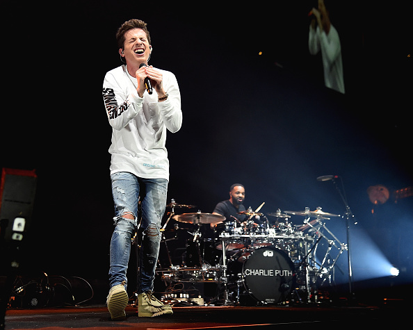 全身「Shawn Mendes With Charlie Puth In Concert - Brooklyn, New York」:写真・画像(3)[壁紙.com]