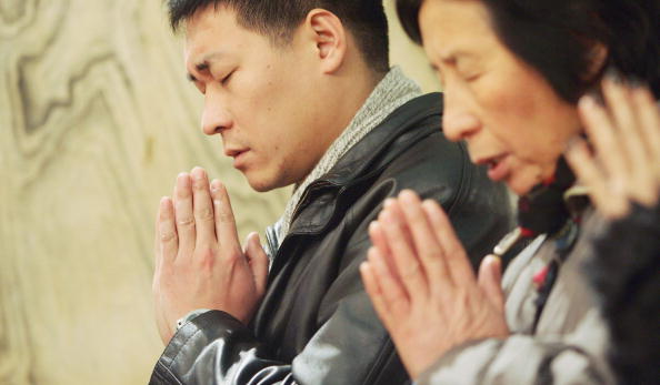 Church「Chinese Catholics Attend Christmas Mass In Beijing」:写真・画像(16)[壁紙.com]
