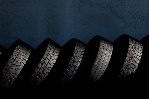 Close To「Row of Tires」:スマホ壁紙(6)