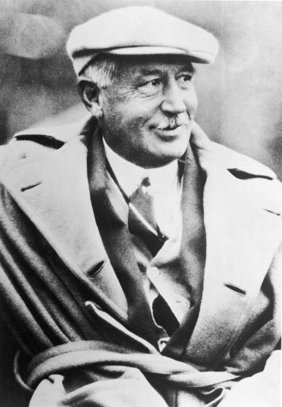 Males「Walter Camp, 'Father Of American Football,' 1920s.」:写真・画像(12)[壁紙.com]