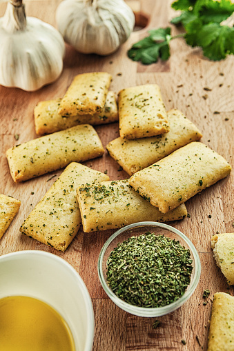 Garlic Clove「Bread snacks with olive oil, garlic and rosemary」:スマホ壁紙(11)