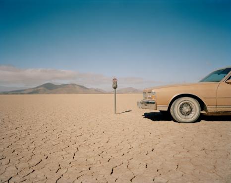 Parking Meter「Car parked near expired meter in desert, close-up」:スマホ壁紙(18)
