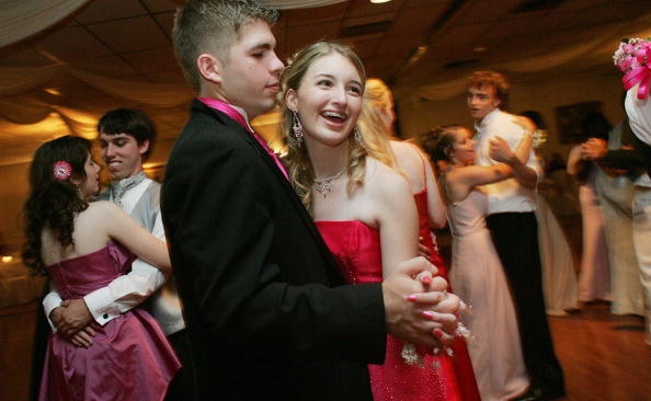 Teenager「Despite Hardship, New Orleans Teen Goes To Prom」:写真・画像(5)[壁紙.com]