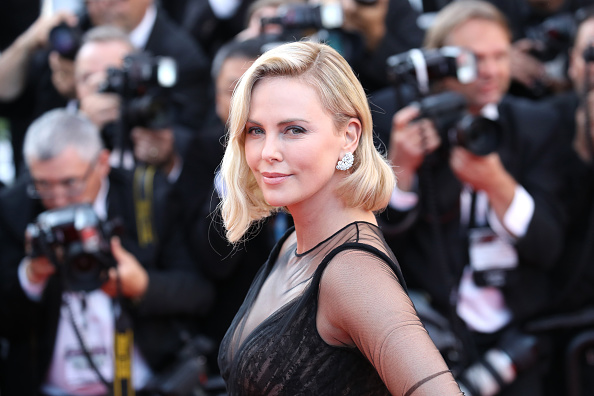 Charlize Theron「70th Anniversary Red Carpet Arrivals - The 70th Annual Cannes Film Festival」:写真・画像(15)[壁紙.com]