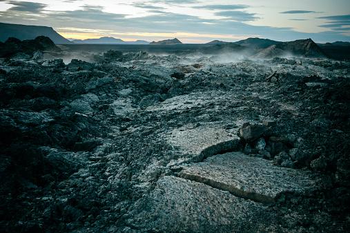 地質構造「Lava fieldLeirhnjúkur、アイスランドます。」:スマホ壁紙(9)