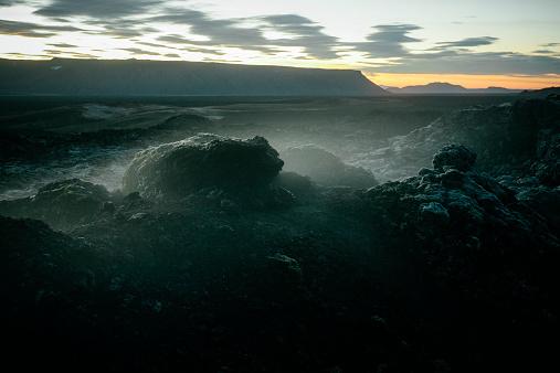地質構造「Lava fieldLeirhnjúkur、アイスランドます。」:スマホ壁紙(19)