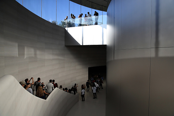 Cupertino「Apple Holds Product Launch Event At New Campus In Cupertino」:写真・画像(6)[壁紙.com]