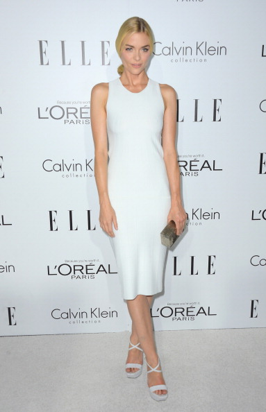 Form Fitted Dress「19th Annual ELLE Women In Hollywood Celebration - Arrivals」:写真・画像(16)[壁紙.com]