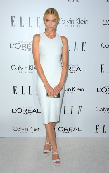Form Fitted Dress「19th Annual ELLE Women In Hollywood Celebration - Arrivals」:写真・画像(5)[壁紙.com]