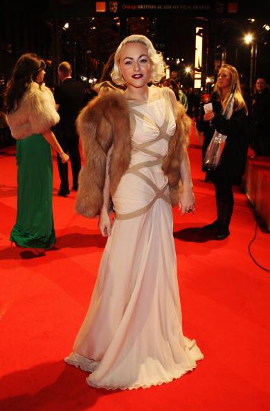 Alexander McQueen - Designer Label「Orange British Academy Film Awards 2010 - Red Carpet Arrivals」:写真・画像(13)[壁紙.com]