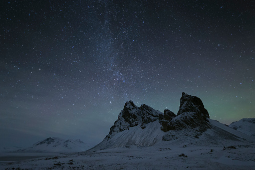 Starry sky「Night time at the Eystrahorn Mountains in Iceland」:スマホ壁紙(3)
