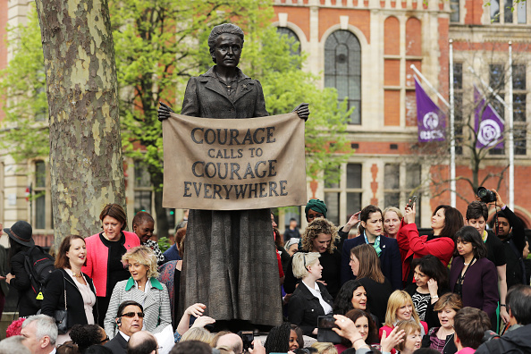 Statue「First Female Suffragist Millicent Fawcett Statue Unveiled In Parliament Square」:写真・画像(10)[壁紙.com]