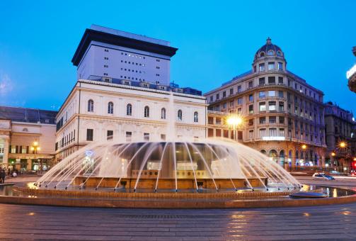 Ferrari「Fountain at Piazza de Ferrari in Genoa old town」:スマホ壁紙(13)