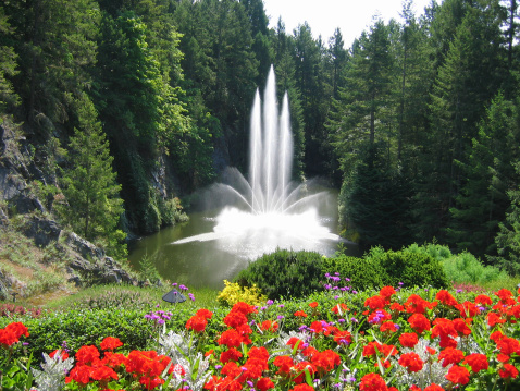 Eco Tourism「Fountain at the Beautiful Butchart Gardens」:スマホ壁紙(7)