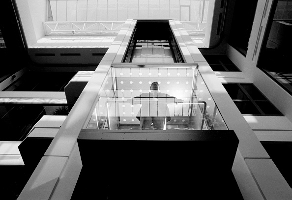 Architecture「New glass lift. Chobham, UK.」:写真・画像(0)[壁紙.com]