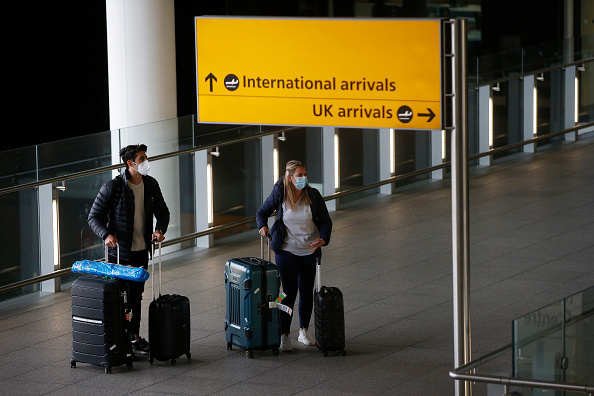 Arrival「UK To Suspend 'Travel Corridors' From Monday」:写真・画像(2)[壁紙.com]