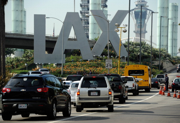 LAX Airport「Orbitz Names LAX As Busiest Airport For 2011 Thanksgiving Travel」:写真・画像(4)[壁紙.com]