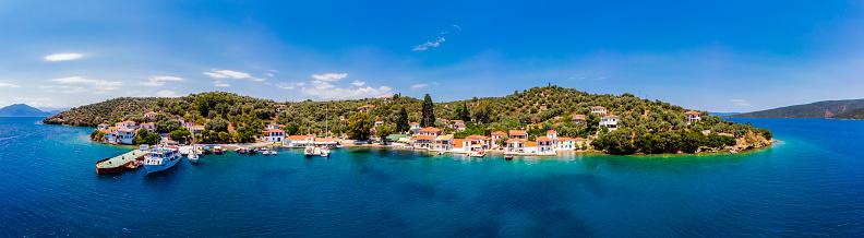 Aegean Sea「Greece, Pelion, Pagasetic Gulf, Sound of Trikeri, Region Volos, Island Pangias, Aerial view of Bay of Paleo Trikeri」:スマホ壁紙(15)