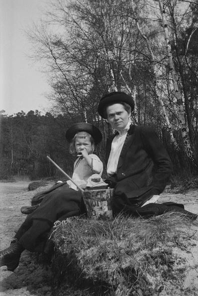 Grass Family「German Child And Women」:写真・画像(1)[壁紙.com]
